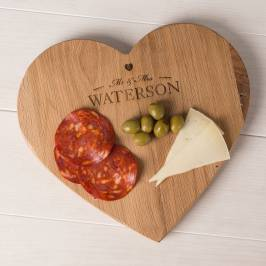 Product information Personalised Wooden Heart-Shaped Chopping Board